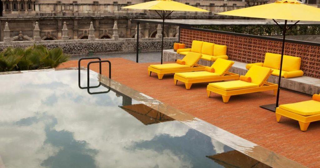 Alberca-terraza-Downtown-Mexico-hoteles-CDMX