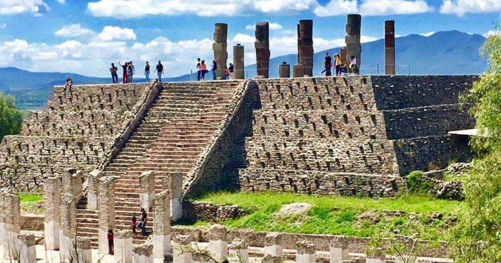 Atlantes-de-Tula-guerreros-toltecas-de-Hidalgo