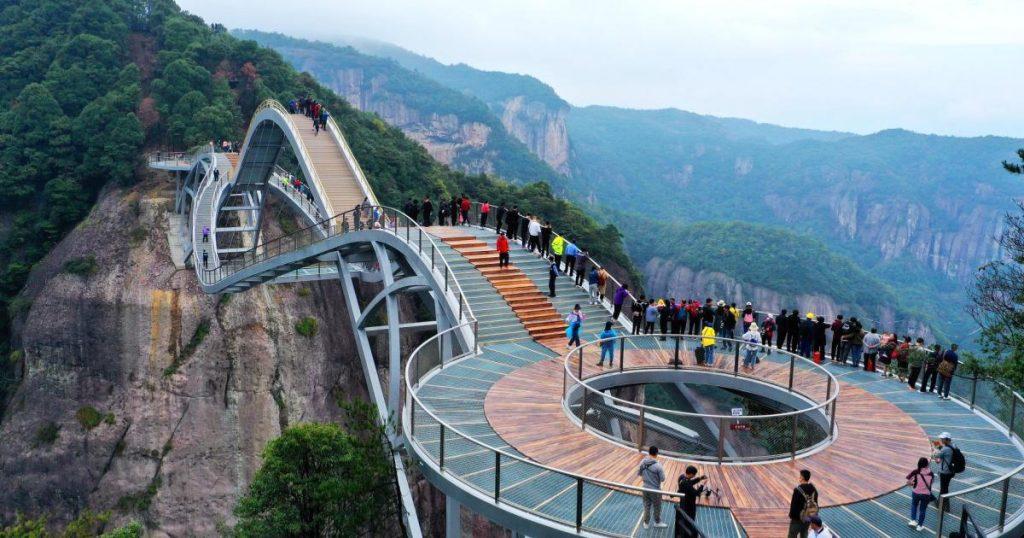 Puente-de-cristal-Ruyi-en-China-2