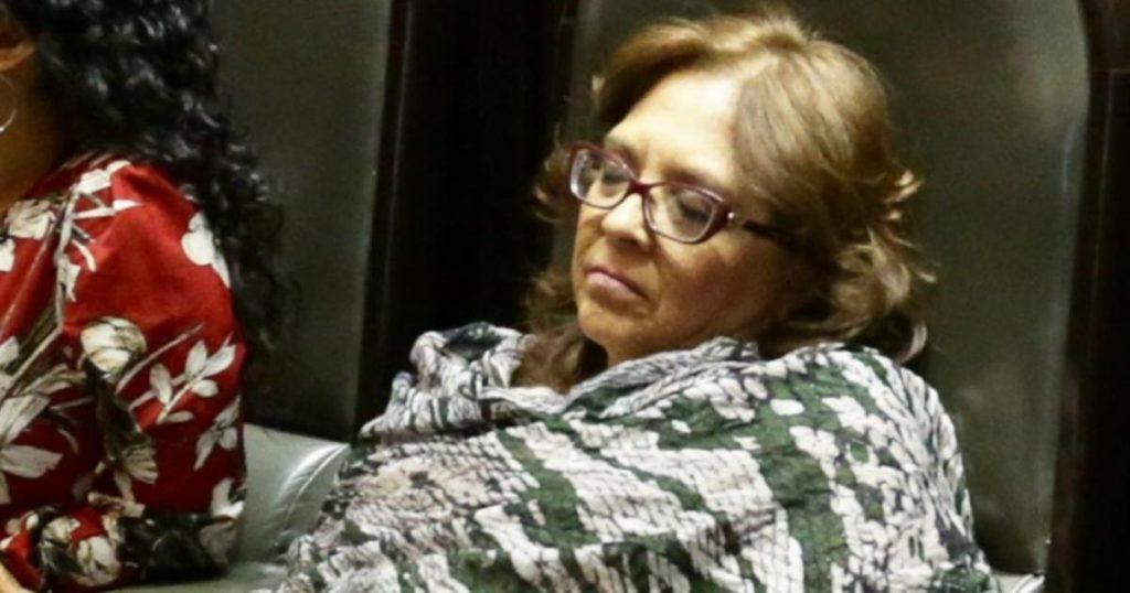 Maria-de-los-Angeles-Huerta-dormida