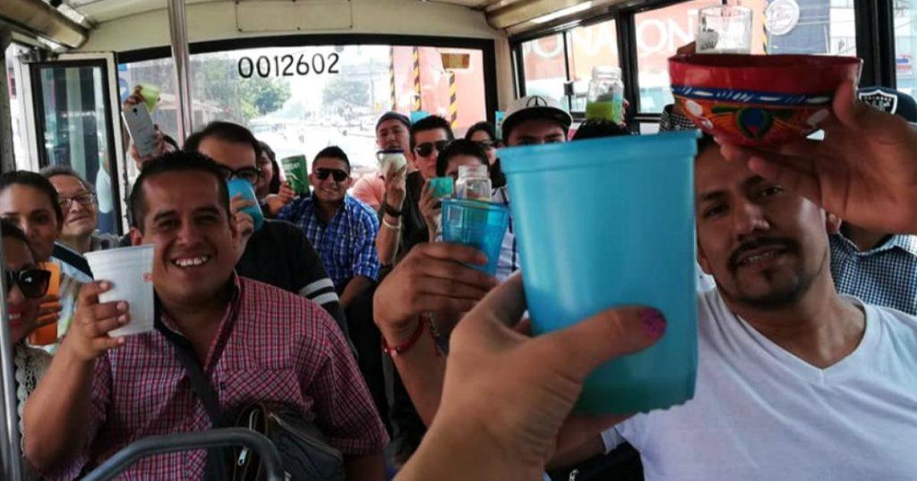 Microbus-pulquero-recorrido-por-mejores-pulquerias-de-Nezahualcoyotl-3