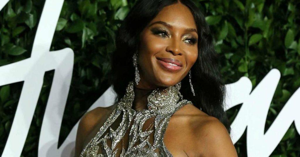 Naomi-Campbell-es-mama-a-los-50-anos-3