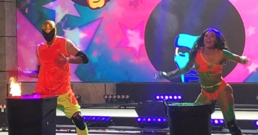 VIDEO-Tinieblas-Jr-da-nalgada-Macky-Gonzalez-programa-HOY-2
