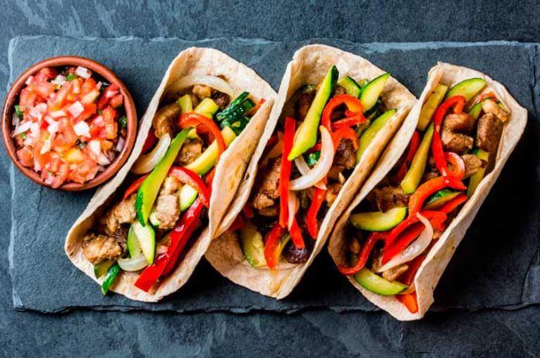 ideas-para-desayunos-tacos-de-fajitas-de-pollo