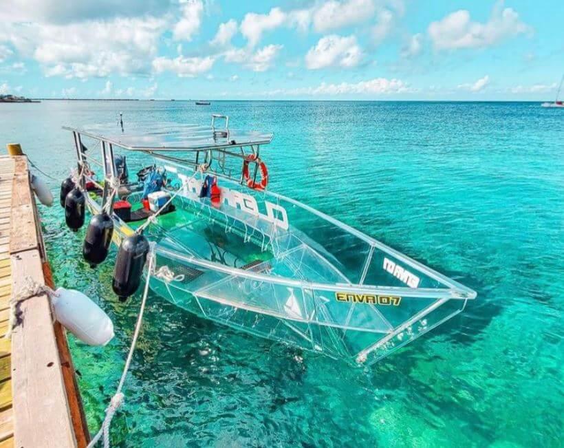 lancha-transparente-en-cozumel-clear-boat-Ciudad-Trendy-revista