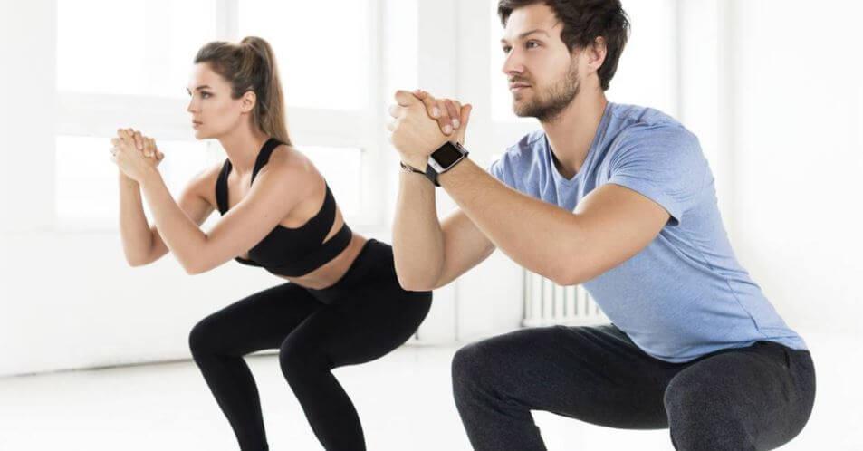 sentadillas-eliminar-flacidez-del-cuerpo-piernas-y-muslos