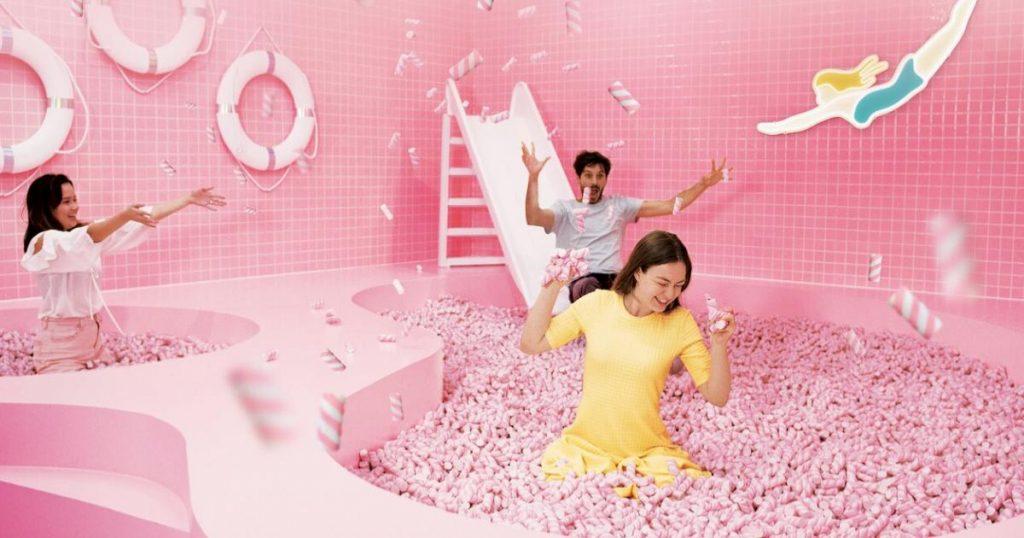 Pink-Beach-bar-arena-rosa-Wondr-experience-Amsterdam-3
