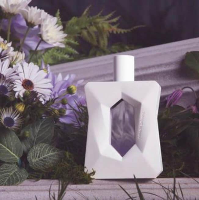 god-is-a-woman-ariana-grande-perfume