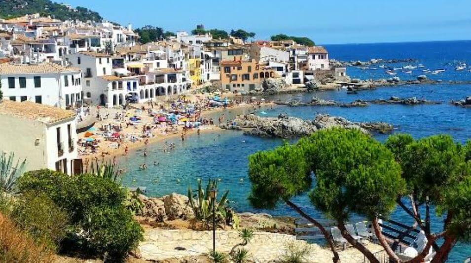 Las-mejores-playas-cerca-de-Barcelona-Casteldefels