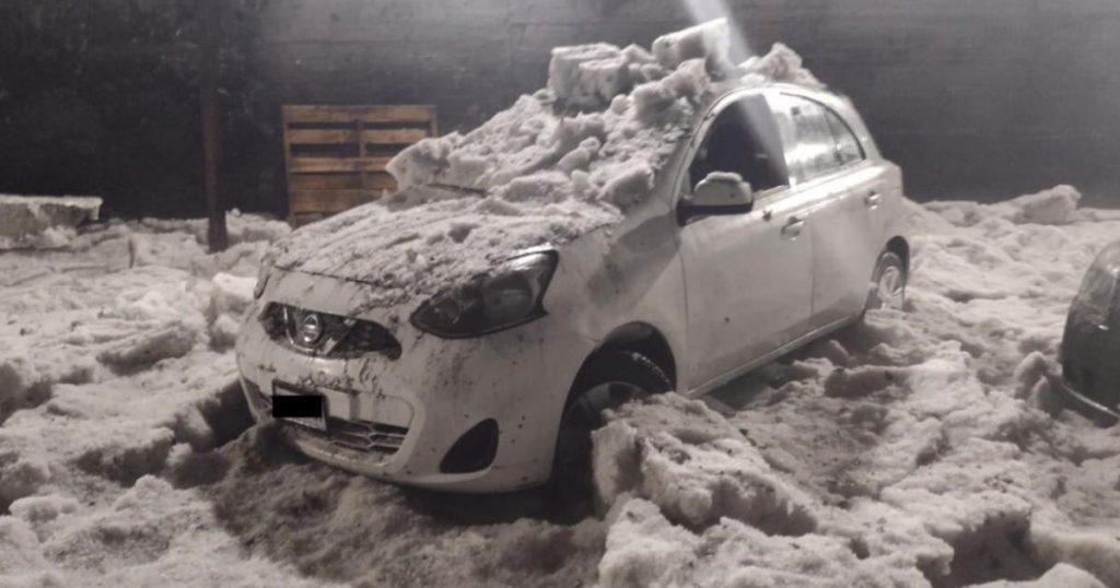 muere-hombre-congelado-automovil-por-granizada-lluvias-bajo-puente-Periferico-Norte-Tlalnepantla-2