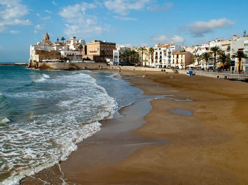 playas-de-barcelona-cristalinas