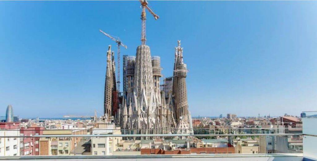 que-hacer-en-barcelona-visitar-la-sagrada-familia